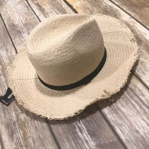 Express - Straw Summer Hat.
